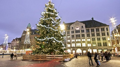 christmas tree dam square