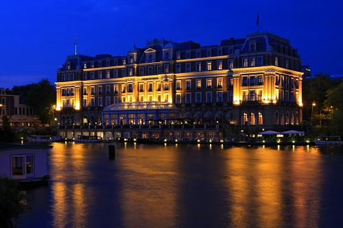 amstel hotel by night