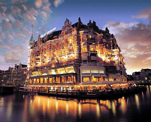 Luxury hotels in amsterdam the best of the best for Top luxury hotels